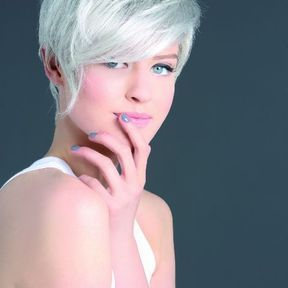Coiffure femme coupe cheveux courts