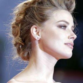 Le chignon tressé d'Amber Heard