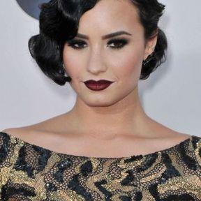 La coiffure crantée de Demi Lovato