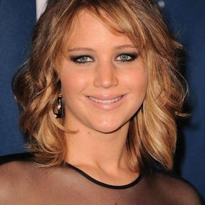 La carré wavy de Jennifer Lawrence