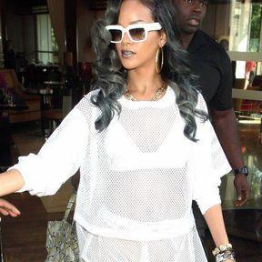 "Le ""gris glacial"" de Rihanna"