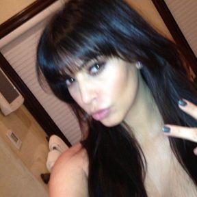 La vraie frange de Kim Kardashian