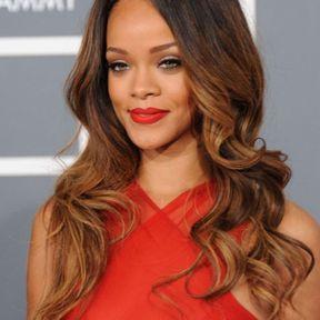Les mèches tie & dye de Rihanna