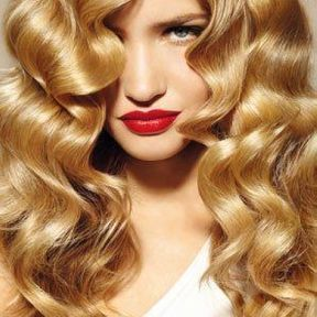La coiffure crantée