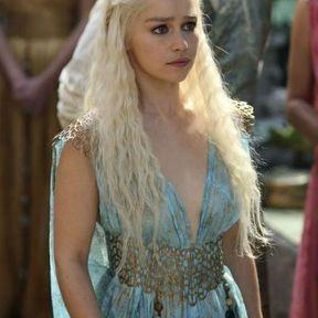 Les cheveux crantés de Daenerys Targaryen