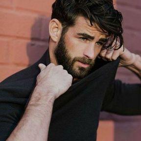 Belle et simple coiffure pour hommes