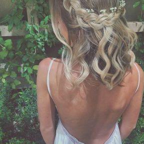 Coiffure de mariage cheveux mi-longs tresses en couronne