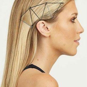 Une coiffure avec des bobby pins