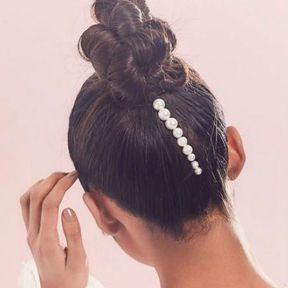 Un chignon avec des perles