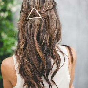 Une coiffure accessoirisée