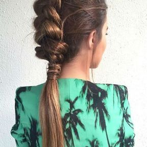 Une coiffure de soirée