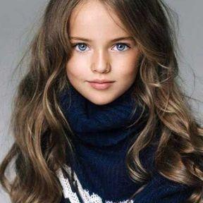 Coupe de cheveux long jeune femme