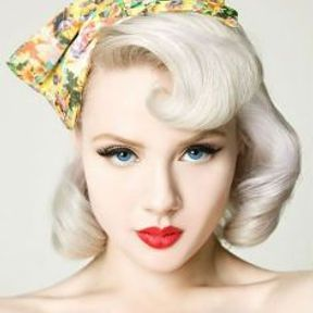 Coiffure rock inspiration pin up