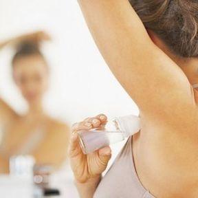 Le conseil Doctissimo : les déodorants à la pierre d'alun