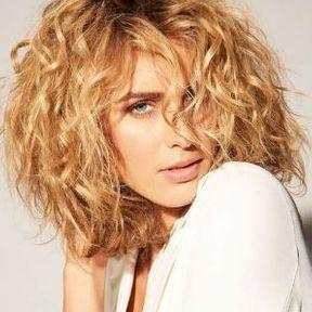 Coupe de cheveux long degrade blond
