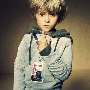 Coupe garçon blond
