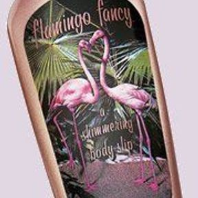 Le Flamingo Fancy, a Shimmering Body Slip, de Benefit