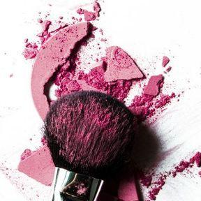 Ne pas nettoyer ses pinceaux de maquillage