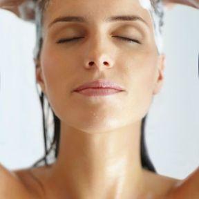 Se laver les cheveux tous les jours