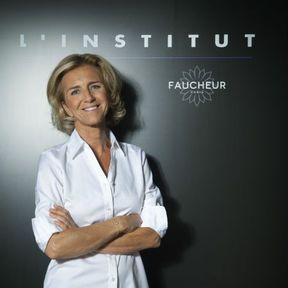 Un massage facial chez Aline Faucheur
