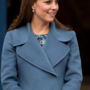 19 février 2015 : manteau bleu Max Mara