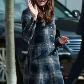 6 mois : un manteau écossais Moloh et un style british