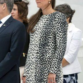 13 juin 2013 : un manteau tacheté noir et blanc