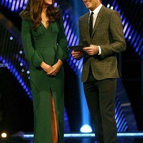 16 décembre 2012 : une robe verte Alexander McQueen