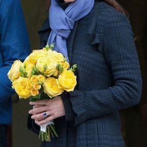6 décembre 2012 : look cocooning pour l'annonce de sa grossesse