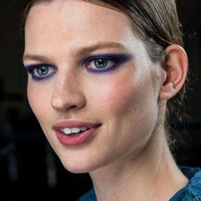 Maquillage Noël violet