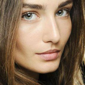 Maquillage nude Andreea Diaconu