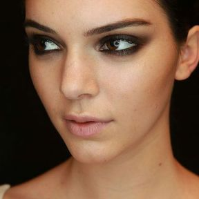 Maquillage des yeux marrons