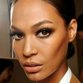 Maquillage inspiration yeux marron