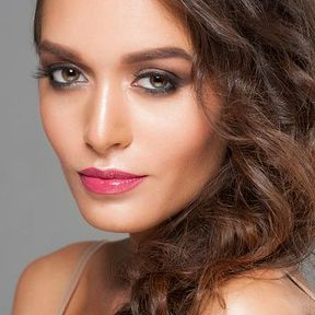 Maquillage yeux marron simple