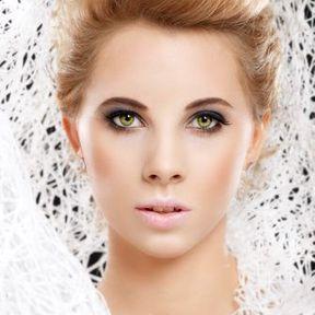 Maquillage yeux verts blonde