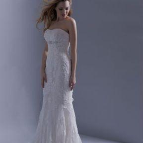 Robe de mariage blanche Automne - Hiver 2015 @ Hervé Mariage