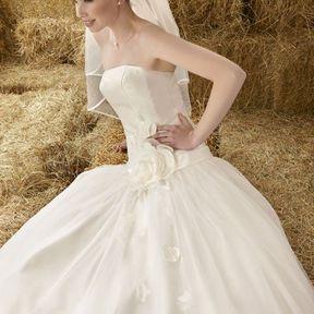 Robe de mariée 2012 © Emilie des Pres
