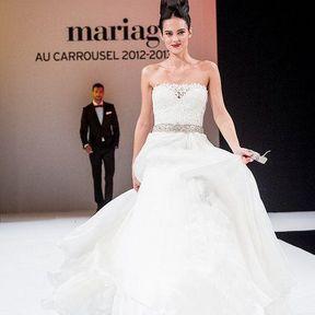 Robe de mariée 2013 en dentelle © Le salon du mariage