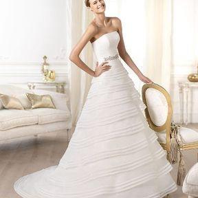 Robe de mariée blanche Pronovias printemps été 2014