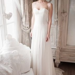 Robe de mariée Fabienne Alagama printemps été 2014