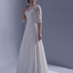Robe mariages dentelle Automne - Hiver 2015 @ Hervé Mariage