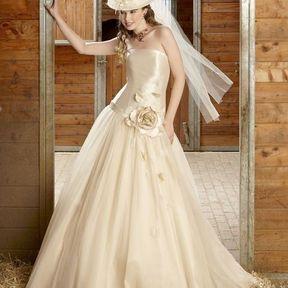 Robes de mariée 2012 © Emilie des Pres