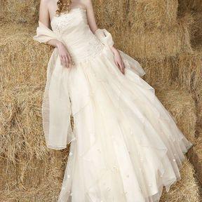 Robes de mariée automne-hiver 2012 © Emilie des Pres