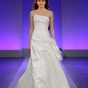 Robes de mariée soie 2013 © Cymbeline