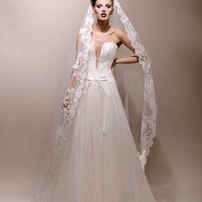 Robes de mariées 2013 en dentelle © Max Chaoul