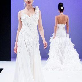 Robes de mariées 2013 en soie © Le salon du mariage