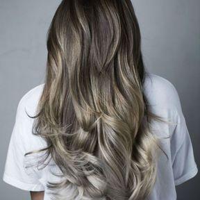 Mushroom blonde sur cheveux très longs
