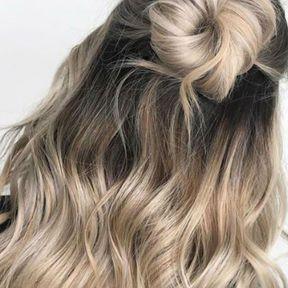 Mushroom blonde avec demi-chignon