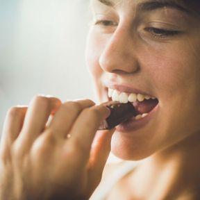 """""""Le chocolat et la nourriture grasse provoque de l'acné"""""""