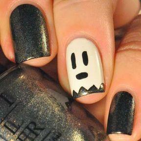 Nail art Halloween fantôme noir et blanc